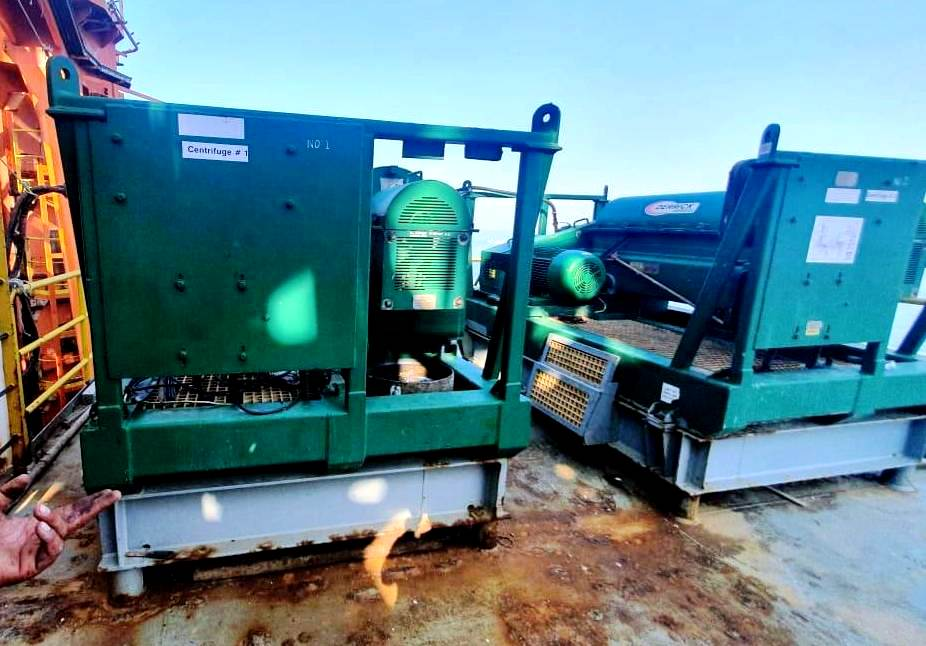 (2) Derrick DE-1000 GBD oilfield decanter skids, 316SS.